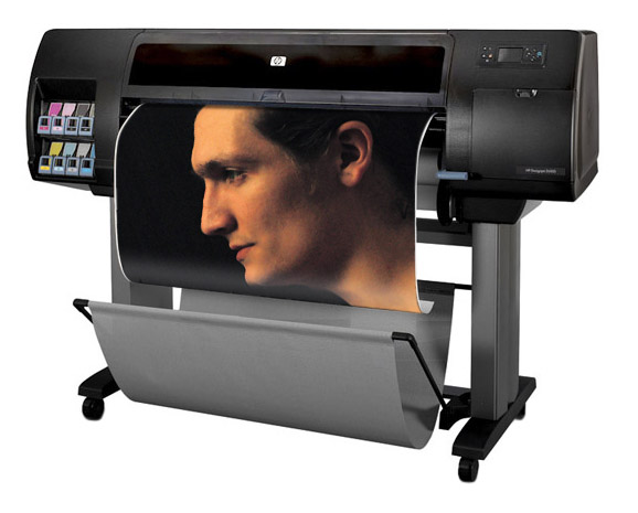 Струйный плоттер HP для профессиональной печати широкоформатных материалов