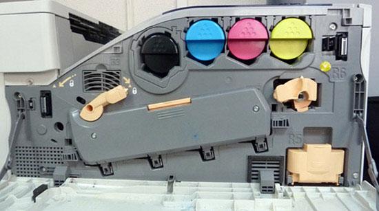 Принтер Xerox Phaser 7500 изнутри
