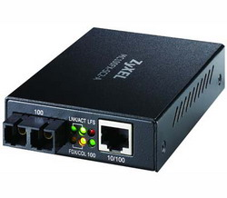 Медиа-конвертер 100Base-TX в многомодовый оптический порт 100BASE-FX на расстояние до 2 км, SC-разъем(MC100FX-SC2-A) MC100FX-SC2-A